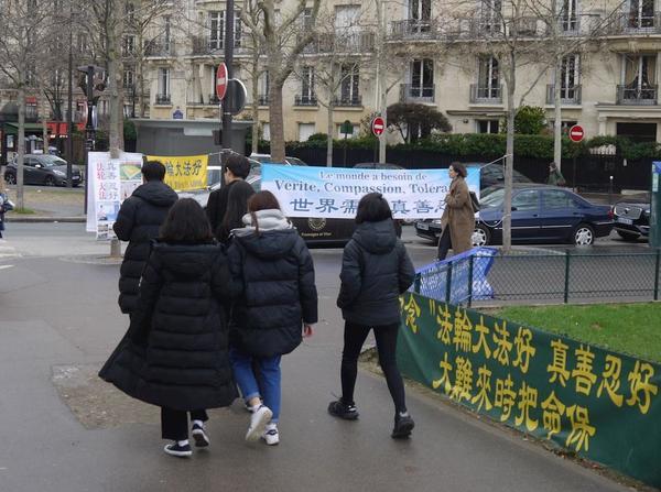 izlazak s kineskom djevojkom u Kini Tajland stranica za upoznavanje besplatno